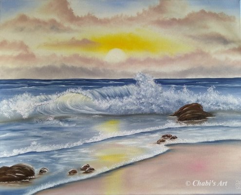 Meeresbild mit Wellen beim Sonnenaufgang